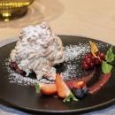 Pumpkin meringue gratinated berry salad